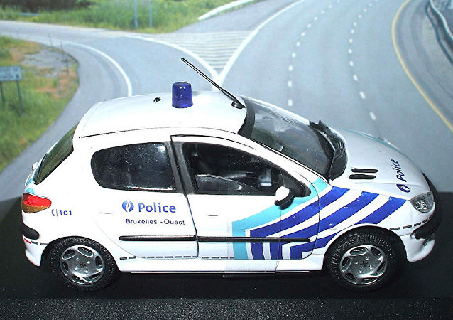 Belçika polisi.