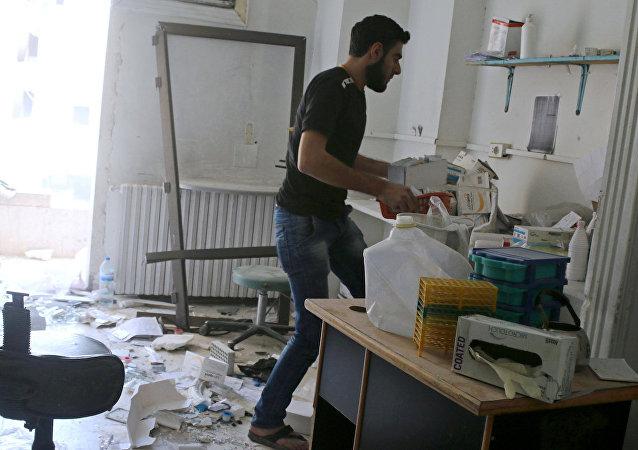 Halep'teki hastane de saldırıların hedefi oldu.