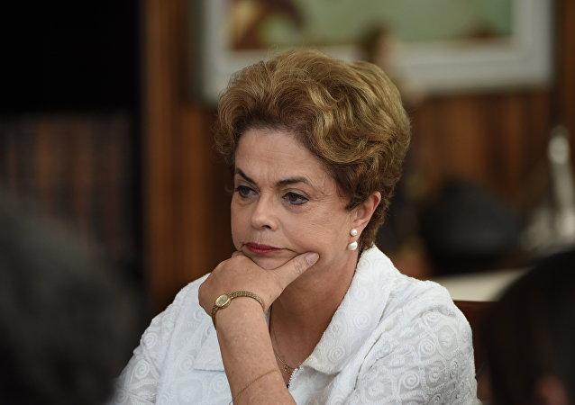 Brezilya'da geçici olarak görevinden uzaklaştırılan Devlet Başkanı Dilma Rousseff