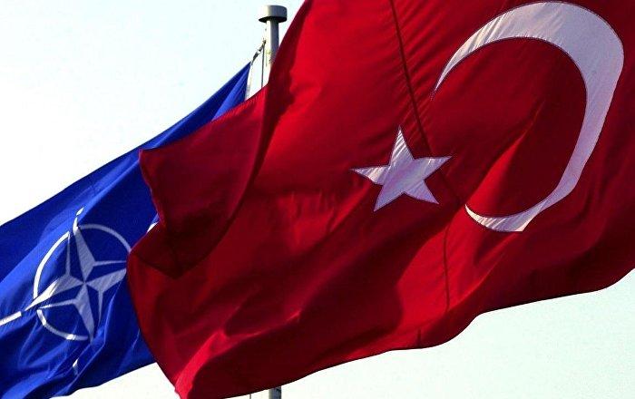 Fransa'da 59 vekil Türkiye'nin NATO üyeliğinin askıya alınmasını istedi
