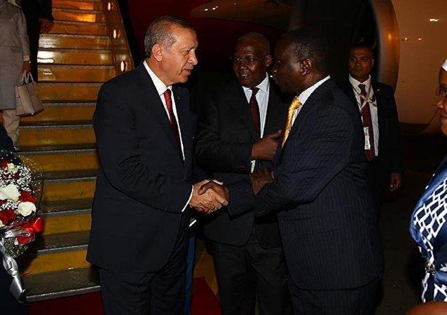 Cumhurbaşkanı Recep Tayyip Erdoğan, Afrika ziyaretinin ilk durağı olan Uganda'da