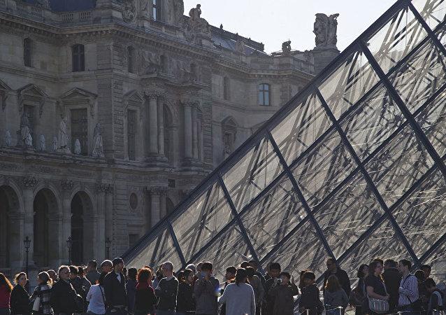 Louvre müzesi.