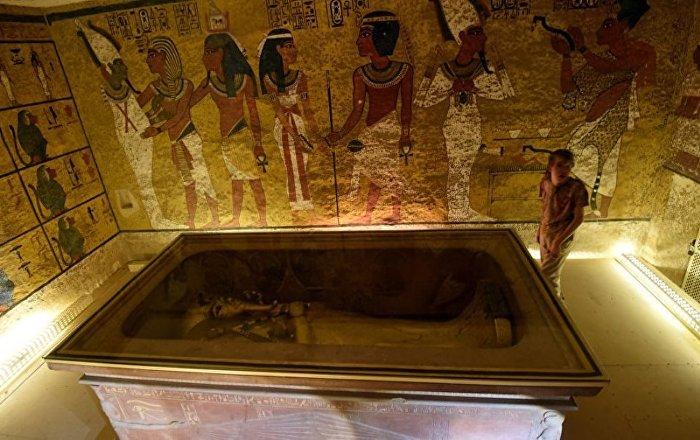 Mısır İngiltere'den firavun Tutankamun'un altın heykel başını istiyor