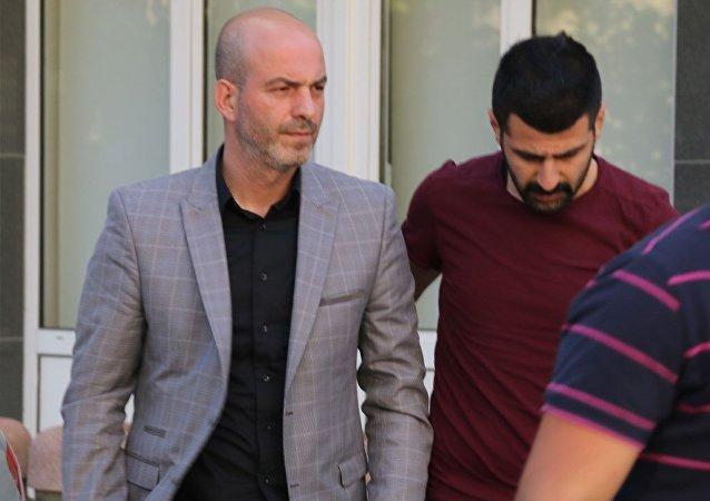 CHP Genel Başkanı Kemal Kılıçdaroğlu'na Fatih Camii'nde kurşun atan kişinin de aralarında bulunduğu 4 kişi Asayiş Şube Müdürlüğü'ne getirildi.