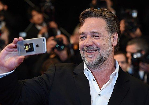 Ünlü aktör Russell Crowe, başrolünü üstlendiği 'İyi Adamlar' filminin prömiyerinin yapıldığı Cannes Film Festivali'ne katıldı.