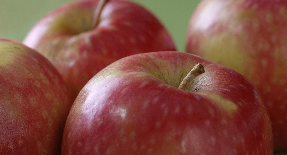Avustralya'da meyvelerin içinden dikiş iğnesi çıkıyor