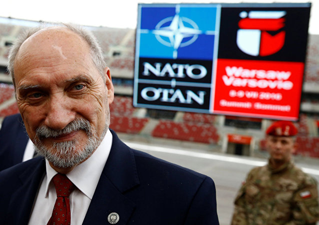 Polonya Savunma Bakanı Antoni Macierewicz