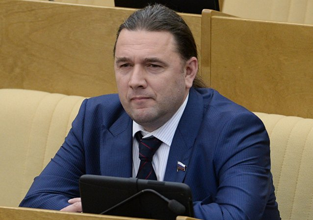 Rusya parlamentosu alt kanadi Duma Milletvekili (Rusya Liberal Demokrat Partisi) Maksim Şingarkin