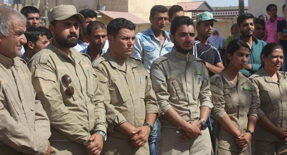 Suriye'nin kuzeyinde PYD bölgelerinde 18-30 yaş arası her erkek zorunlu askerlik yapacak.