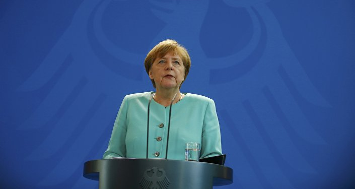 Almanya Başbakanı Merkel referandumun ardından yaptığı ilk açıklamada, Brexit Avrupa için bir kırılmadır dedi.