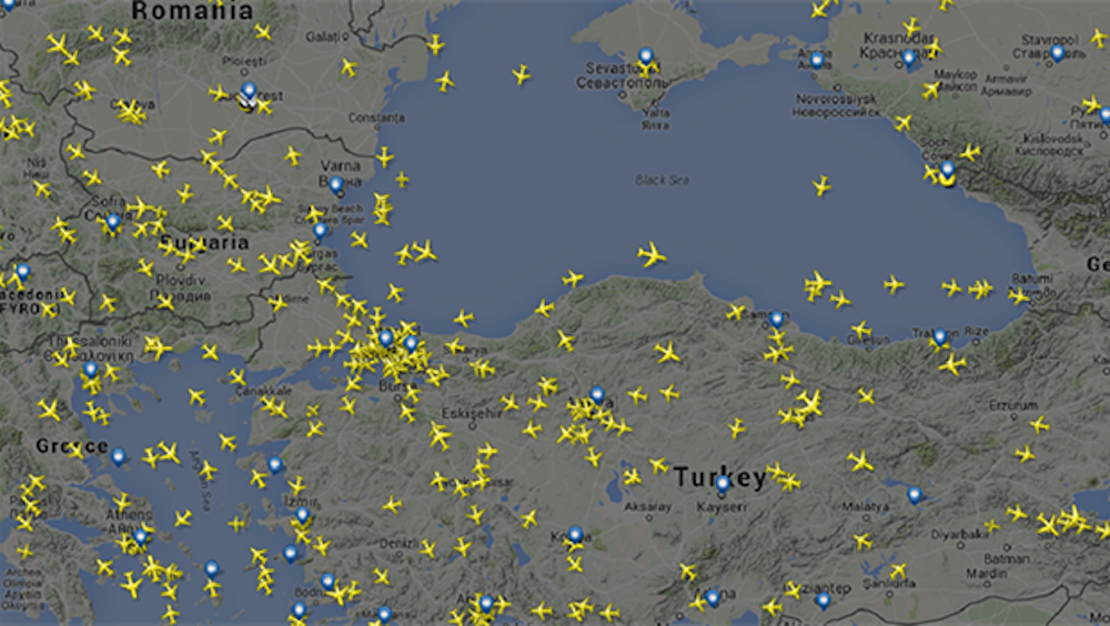 Saldırının ardından İstanbul'un üzerinde yoğun bir uçak trafiği oluştu.