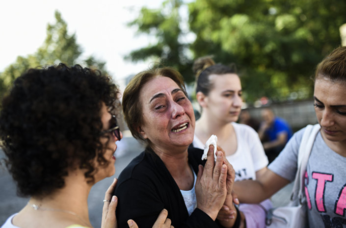 Saldırıda hayatını kaybeden 36 kişiden 27'sinin kimliği belirlendi.