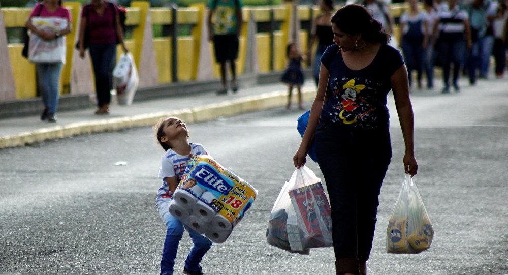 Kolombiya, Venezüela'dan gelen göçün durmasını istiyor