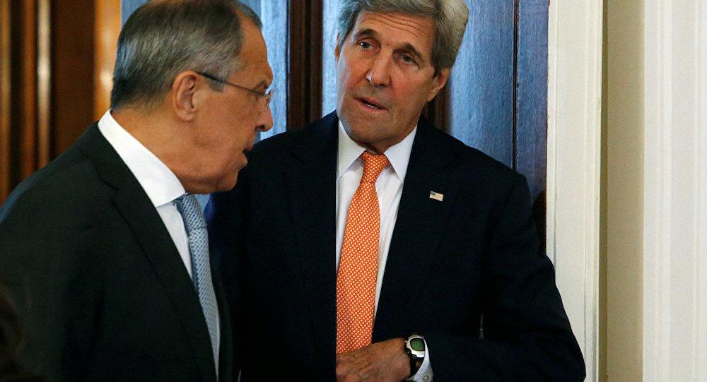 Rusya Dışişleri Bakanı Sergey Lavrov ve ABD'li mevkidaşı John Kerry