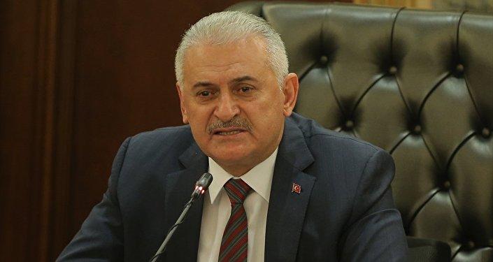 Başbakan Binali Yıldırım, Bakanlar Kurulu'nun ardından Çankaya Köşkü'nde açıklama yaptı. Başbakan Yıldırım, konuşması sırasında duygulandı.