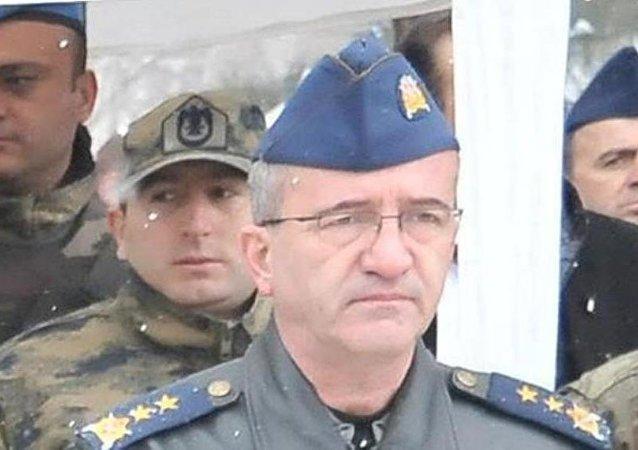 Diyarbakır 2. Birleştirilmiş Hava Harekat Merkezi Komutanı Tümgeneral Atilla Darendeli .