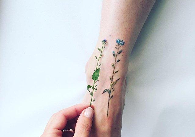 Pis Saro'nun yaptığı dövmeler