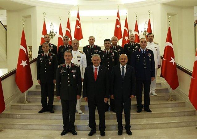 Yüksek Askeri Şura (YAŞ) Başbakan Binali Yıldırım başkanlığında Çankaya Köşkü'nde toplandı.