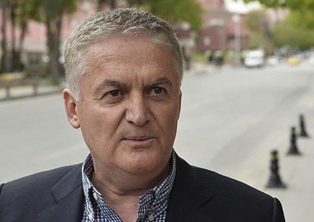 Emekli askeri hâkim Ahmet Zeki Üçok