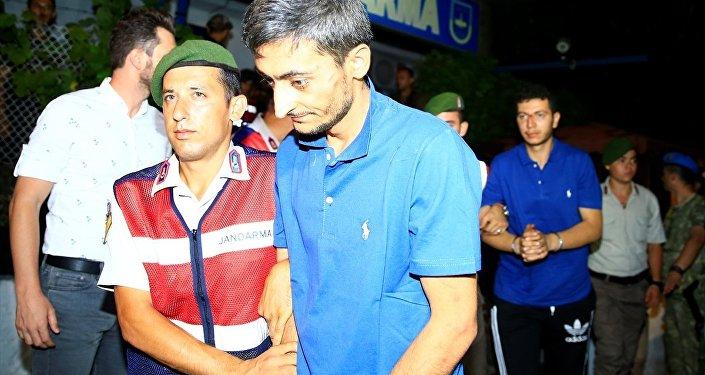 Erdoğan'ın oteline saldırı düzenleyen askerlerden 9'u yakalandı
