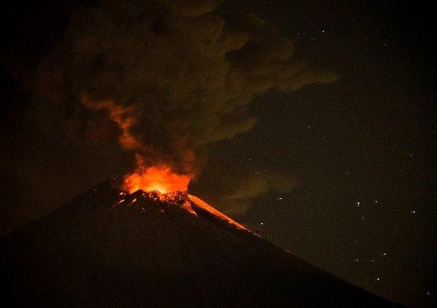 Popocatepetl Yanardağı
