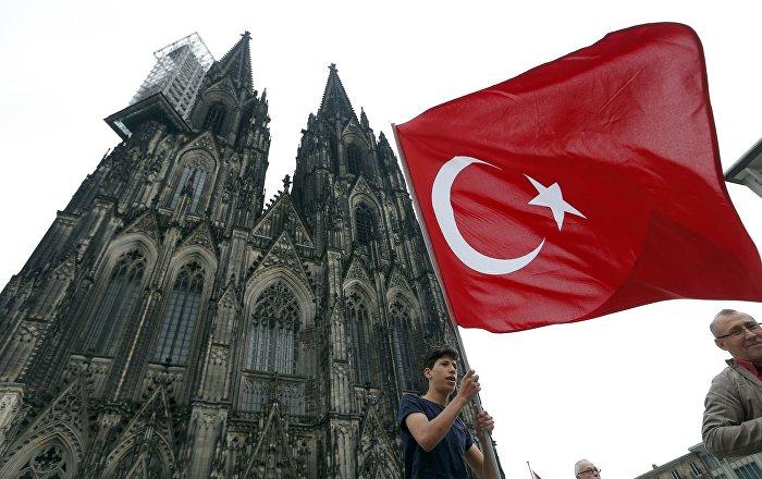 Almanya'daki Kürtler Köln'de bir araya geldi: Diktatörlüğe hayır 86