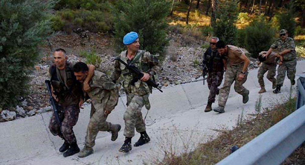 Marmaris'te otele baskın yapmak isteyen askerler yakalandı