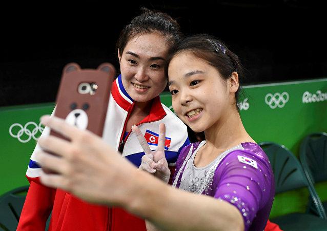 Kuzey Koreli jimnastikçi Hong Un Jong - Güney Koreli jimnastikçi Lee Eun-Ju / Rio Olimpiyat Oyunları