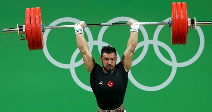Milli halterci Daniyar İsmayilov
