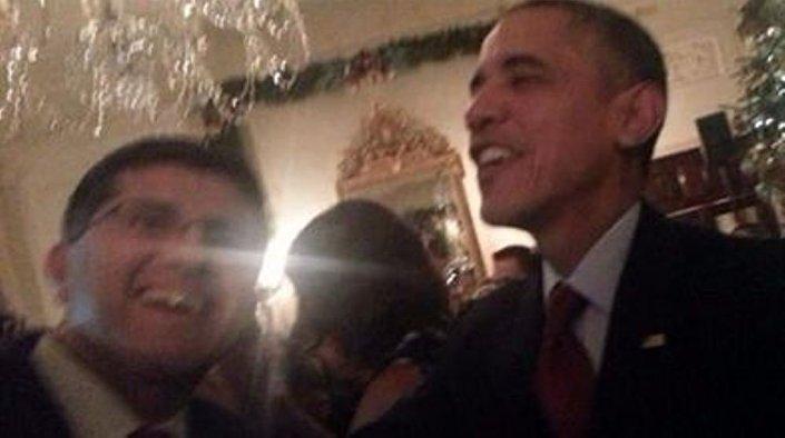 Obama ve FETÖ üyesi Taban'ın aynı karede yer alması tepki topladı.