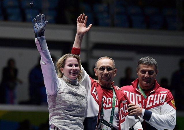 Brezilya'da devam eden 2016 Rio Olimpiyat Oyunları'nda Rusya'ya 4. altın madalyasını eskrim kadınlar bireysel flörede Rus İnna Deriglazova getirdi.