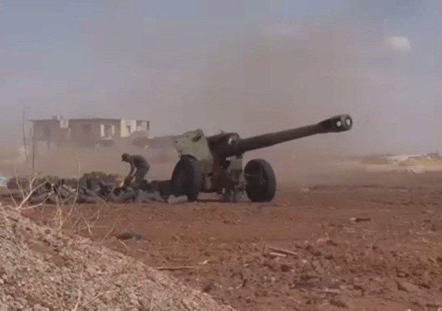 Suriye Ordusu ve Hizbullah, Suriye'nin Halep kentinde radikal muhliaflere karşı taarruz başlattı