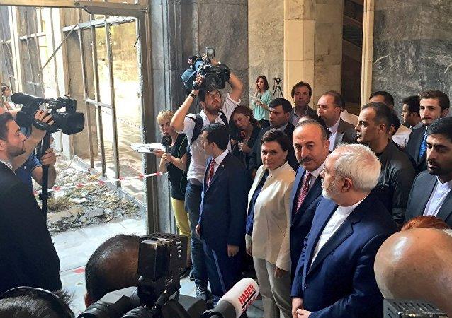 İran Dışişleri Bakanı Cevad Zarif TBMM'yi ziyaret etti