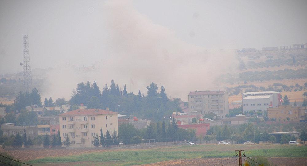 ÖSO ve Türk askerleri Cerablus'un batısına doğru ilerlerken, IŞİD'inCerablus'un batı ve güneybatısındaki köylerden de çekildiği ve El Bab kentine doğru kaçtığı belirtildi.