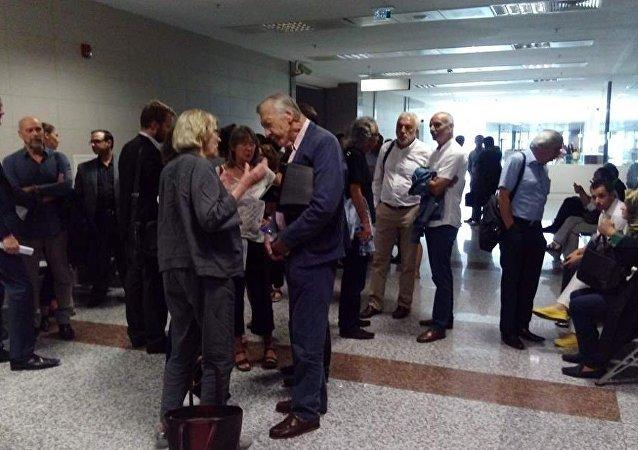 Balyoz davasında kumpas iddialarıyla ilgili haklarında dava açılan gazeteciler Mehmet Baransu, Yasemin Çongar, Ahmet Altan ve Yıldıray Oğur'un yargılanmasına başlandı.