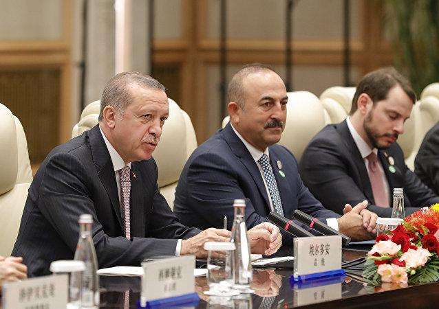 Türkiye Cumhurbaşkanı Recep Tayyip Erdoğan- Türkiye Dışişleri Bakanı Mevlüt Çavuşoğlu