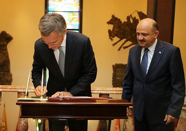 Milli Savunma Bakanı Fikri Işık, NATO Genel Sekreteri Jens Stoltenberg ile bir araya geldi.