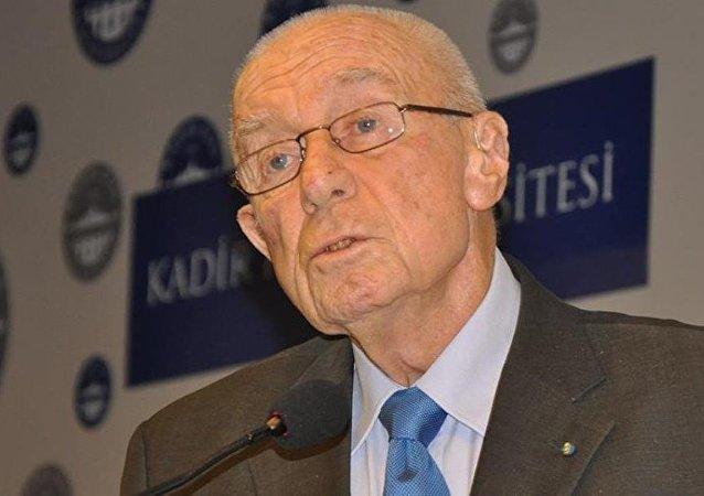 Alarko Holding Onursal Başkanı İshak Alaton