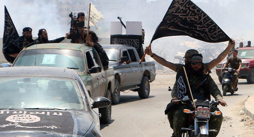 El Kaide bağlantılı El Nusra militanları