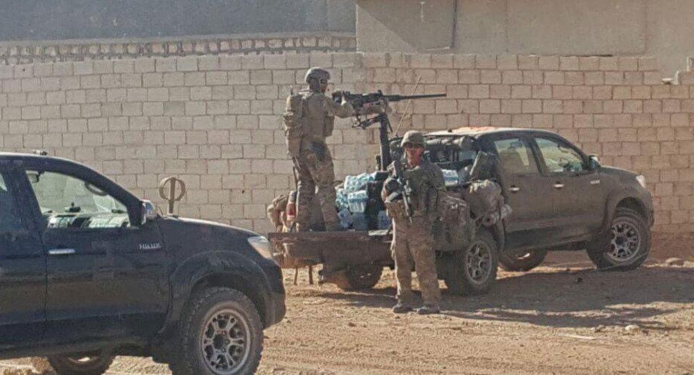 El Bab operasyonu, ÖSO militanları ABD askerlerini protesto etti