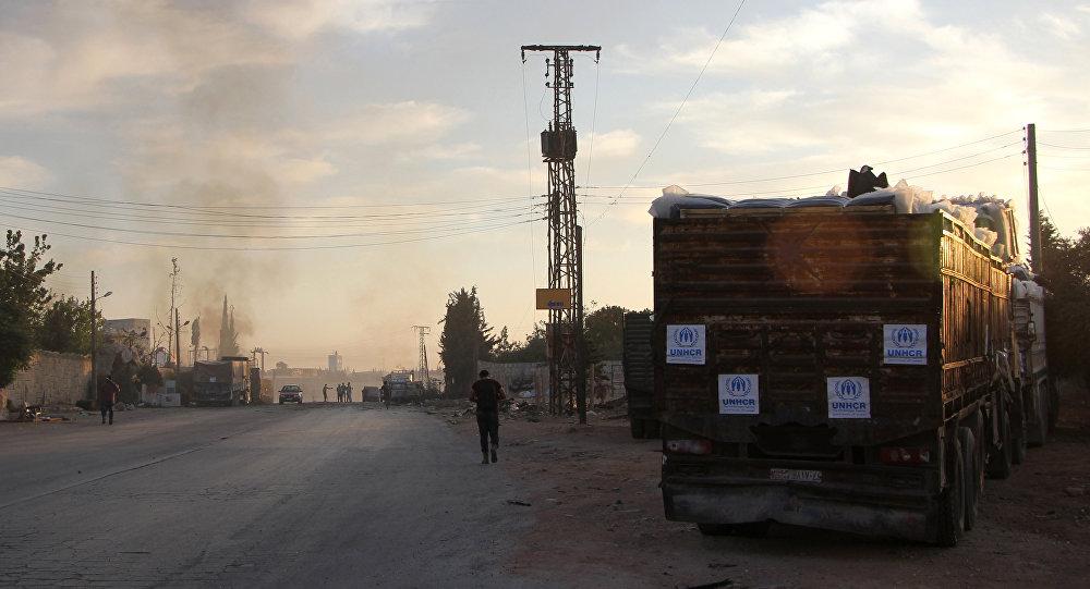 Halep'e insani yardım götüren BM konvoyu saldırıya uğradı.