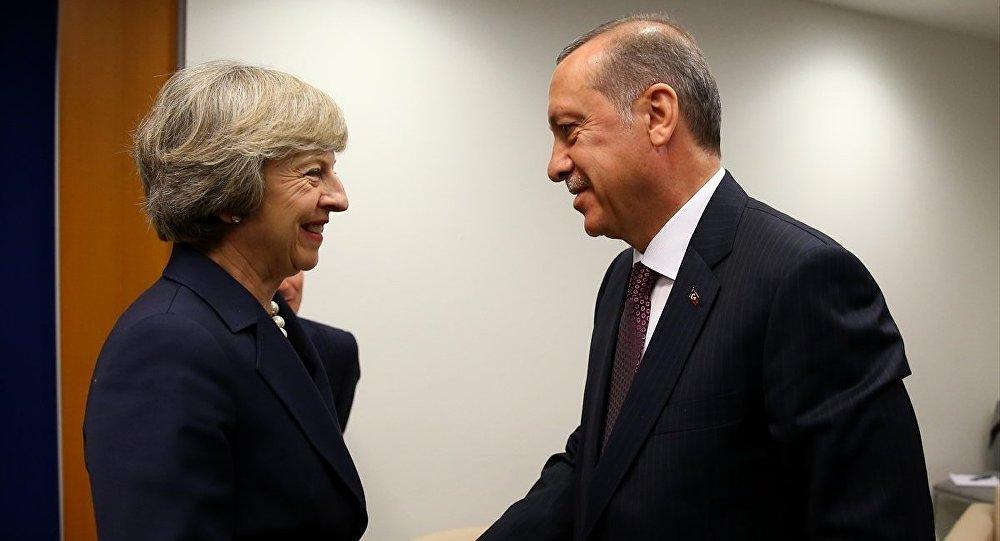 Cumhurbaşkanı Recep Tayyip Erdoğan, BM Genel Kurulu genel görüşmeleri için bulunduğu New York'ta İngiltere Başbakanı Theresa May ile görüştü.