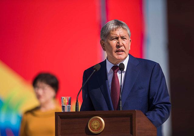 Kırgızistan Devlet Başkanı Almazbek Atambayev