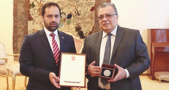 Türk-Rus Toplumsal Forumu Eş Başkanı ve AK Parti İstanbul Milletvekili Ahmet Berat Çonkar, Rusya Federasyonu Ankara Büyükelçisi Andrey Karlov'u ziyaret etti.