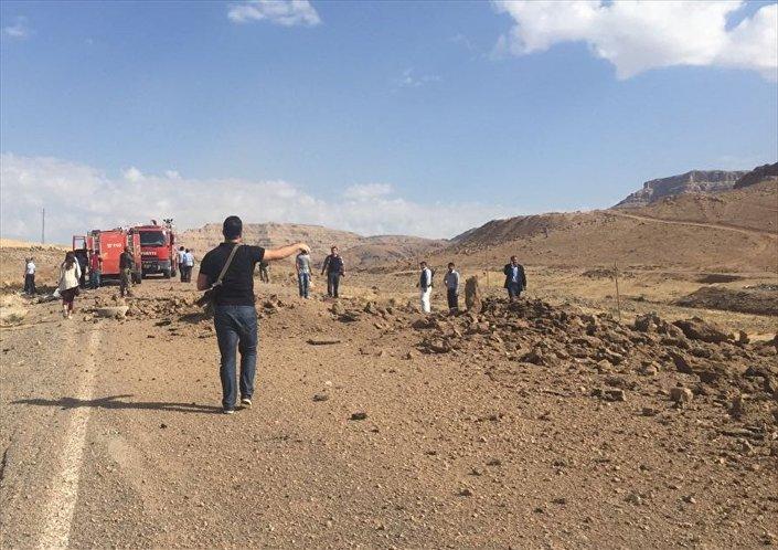 Patlama Mardin, Kızıltepe-Derik karayolunun Tepedağ köyü mevkisinde meydana geldi.