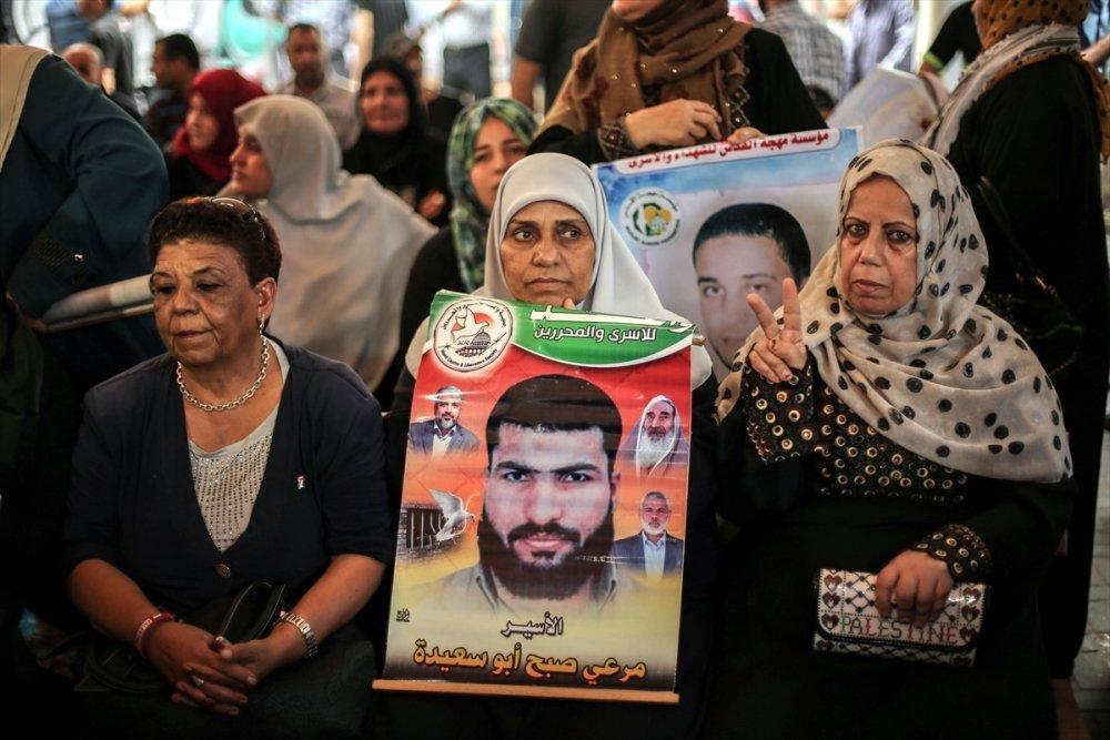 İsrail hapihanelerinde tutuklu bulunan Filistinlilerin aileleri