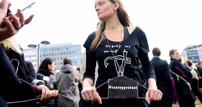 Polonya'daki kürtaj eylemi