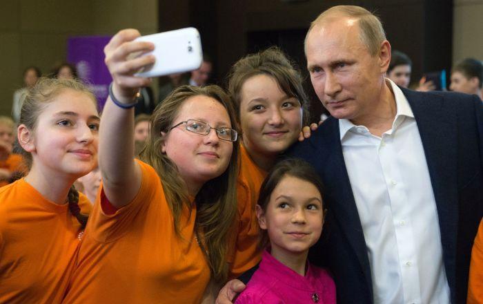 Putin: Rusya'daki eğitim sistemi dünyanın en iyisi olmalı