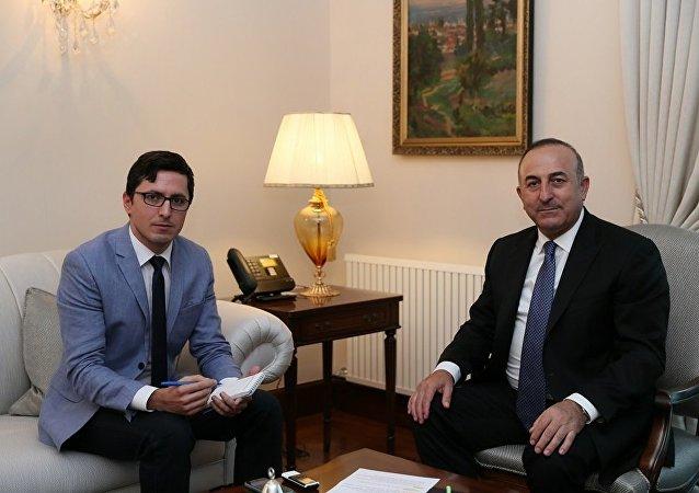 Dışişleri Bakanı Mevlüt Çavuşoğlu, Sputnik Türkiye muhabiri Hüseyin Hayatsever'in sorularını yanıtladı.