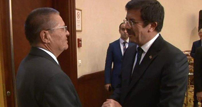 Ekonomi Bakanı Nihat Zeybekci, Rusya Ekonomi Bakanı Aleksey Ulyukayev ile iki ülkenin ekonomi bürokratları Conrad Otel'de heyetler arası görüşme gerçekleştirdi.